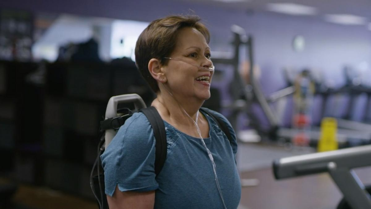 Sarah in the gym with oxygen