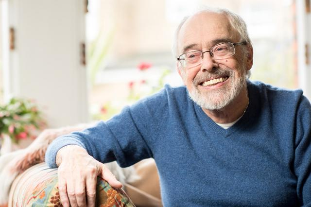 Chris living with COPD at home