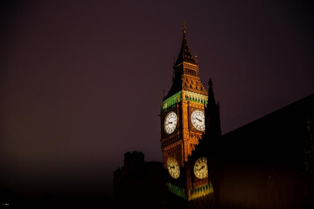 Picture of big ben at night
