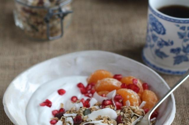 Granola with fruit and yoghurt